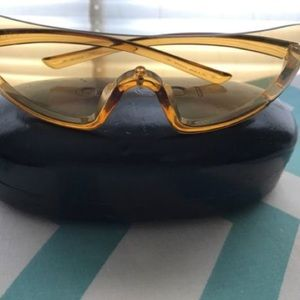 Gucci wraparound sunglasses
